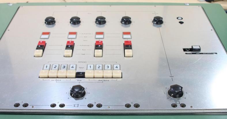 tel-4