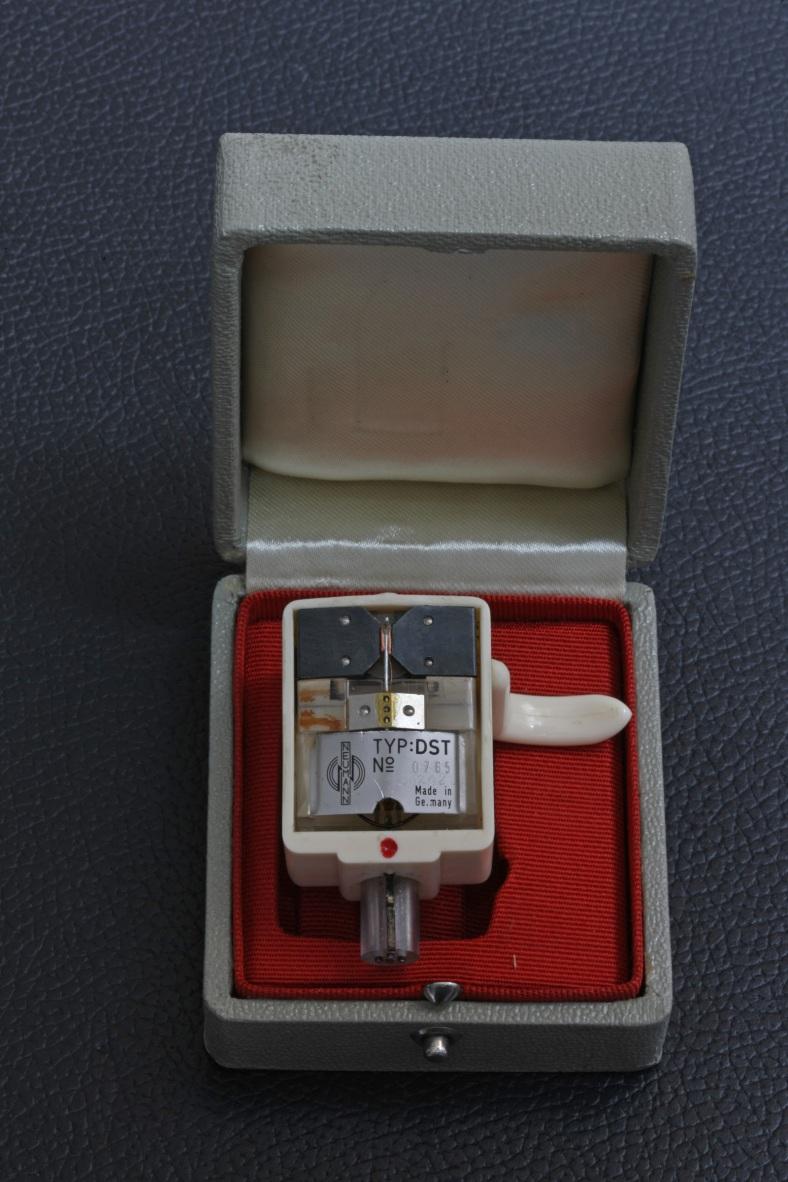 neumann-001